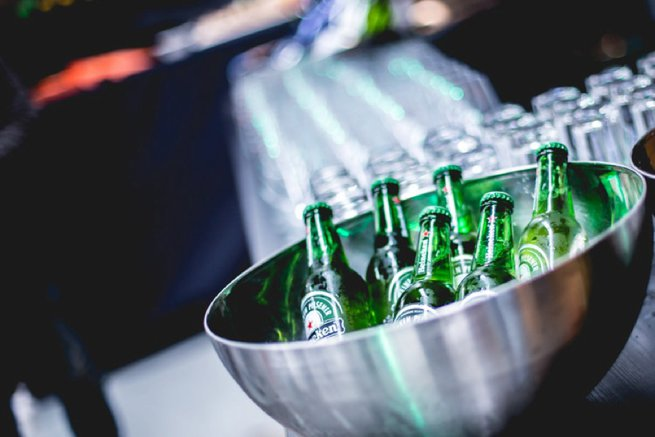Bottles of beer in an ice bowl | Kelly Chandler Consulting